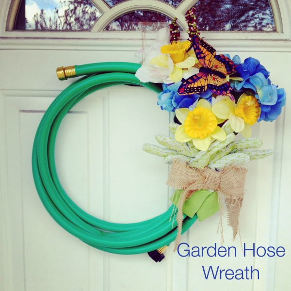 Post image for Episode 42: Garden Hose Wreath
