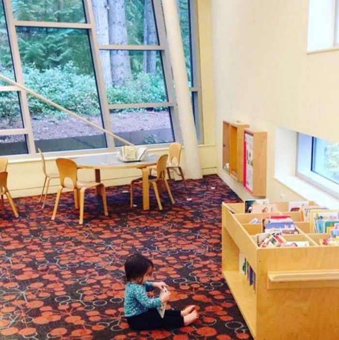 baby-at-the-library